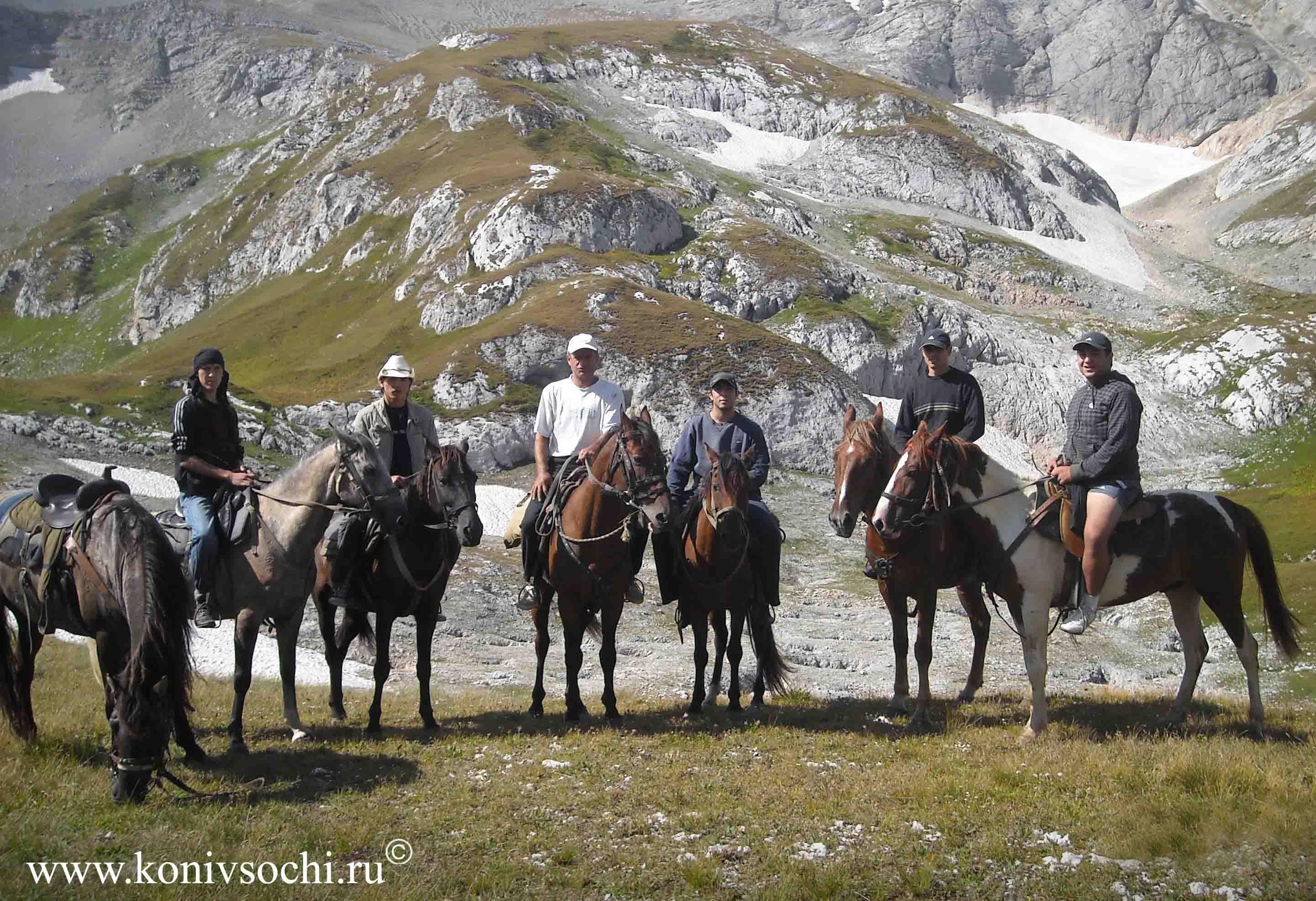Конный туризм - конный поход на Фишт, Лагонаки. Активный отдых в горах.